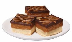 Caramel Shortbread bars, using Eagle Brand Dulce de Leche condensed milk.another possible teacher gift? Caramel Shortbread, Shortbread Bars, Shortbread Recipes, Yummy Treats, Delicious Desserts, Sweet Treats, Baking Recipes, Dessert Recipes, Christmas Recipes