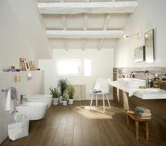 badezimmer-ohne-fliesen-holz-wandverkleidung-badewanne-glas-dusche ... - Bad Mit Holz