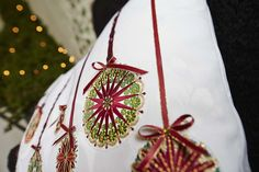 Close-up of a wonderful embroidered holiday pillow - Embrodiery Collection: Sparkling Holiday #278