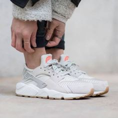 NIKE AIR HUARACHE TEXTILE light bone - Google Search