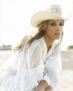 photo Sandra Bullock cow girl robe legere dentelle chapeau cowboy peau douce bronzee sp001