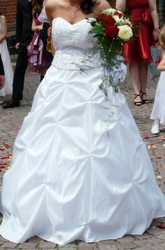 ♥ Brautkleid inkl. Reifrock  ♥  Ansehen: http://www.brautboerse.de/brautkleid-verkaufen/brautkleid-inkl-reifrock/   #Brautkleider #Hochzeit #Wedding