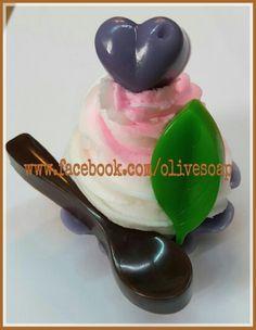 #cupcake #soapadorable looking #صابون #كيك #الأردن #صناعة_يدوية #تسويق #توزيعات  #jo @olive_soap 00962795726029 Glycerin Soap, Spoon Rest, Tableware, Dinnerware, Tablewares, Dishes, Place Settings