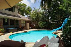 Backyard Pool/furniture
