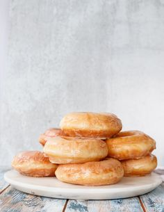 Make the softest glazed donuts and use your sourdough discard with this delicious sourdough discard donuts recipe! Make the same day, or rest the donuts overnight to prepare in the morning. Either way, you'll love the results! Sourdough Doughnut Recipe, Donut Recipe No Yeast, Sourdough Starter Discard Recipe, Yeast Starter, Baked Donut Recipes, Sourdough Recipes, Sourdough Bread, Bread Recipes, Bread Baking