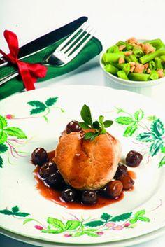 Prepara unos ricos medallones de pavo con salsa de cebollitas y vino dulce con esta receta de Estampas.