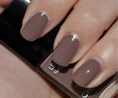 nail art - keep it simple, but clever. Never flashy, but always fabulous