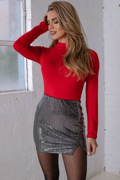 Sexy Outfits, Sexy Dresses, Cute Outfits, Fashion Outfits, Turtleneck Bodysuit, Red Turtleneck, Elegantes Outfit Frau, Short Skirts, Mini Skirts