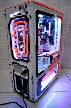 Best gaming PC cases on the market this year. From Thermaltake to Corsair to Fractal Design etc. Gaming Computer Setup, Best Gaming Setup, Gaming Pc Build, Best Gaming Laptop, Computer Build, Gaming Pcs, Gaming Room Setup, Best Computer, Pc Setup