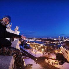 Instagram【kentaamano1533】さんの写真をピンしています。 《This is the best photo with capital city  for today. #capitalcity #首都 #bratislavacastle #ブラチスラバ城 #selfie #nightview #夜景 #ufo #danube #danuberiver #ドナウ川 #europe #workingholiday #ワーホリ #photography #gopro #goprohero4 #goprotravel #goprophotography #ゴープロのある生活 #ゴープロ #旅 #旅行 #travel #ヨーロッパ #スロバキア #ブラチスラバ #slovakia #slovensky #bratislava》