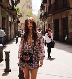 Barcelona in 72 Hours (Rocky Barnes) Barcelona Outfit, Barcelona Fashion, Barcelona Spain, Estilo Boho Chic, Bali Fashion, Spain Fashion, Women's Fashion, Looks Style, Passion For Fashion