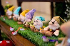 Snow White Birthday Party Ideas | Photo 19 of 48