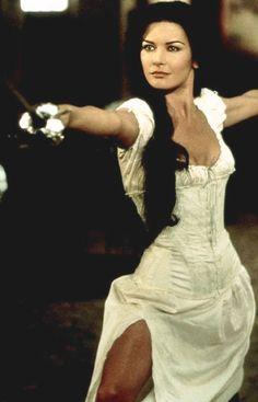 Catherine Zeta Jones Oceans 12 Hair