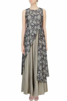 Dark grey floral printed asymmetric maxi dress available only at Pernia's Pop Up Shop. by leila Look Fashion, Hijab Fashion, Indian Fashion, Fashion Dresses, Fashion Design, Pakistani Dresses, Indian Dresses, Indian Outfits, Kurta Designs