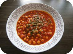 Fräulein Moonstruck kocht!: Soulfood: Tomatensuppe mit Kichererbsen