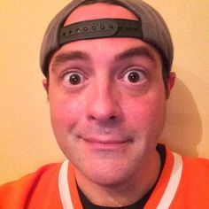 Kevin Smith shaves beard, slims down ahead of 'Yoga Hosers'