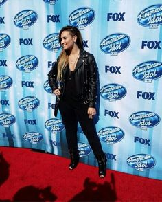 The red carpet for American Idol's live finale starts in one hour at the Nokia Theatre in LA 21-Mayo-2014.