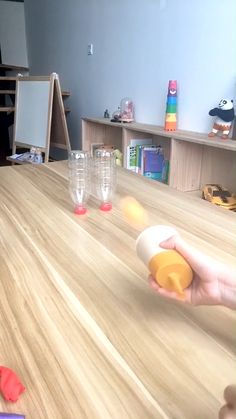 Make a ping pong ball luancher and have fun with your kids. Family Party Games, Kids Party Games, Diy Games, Children Birthday Party Ideas, Teenage Party Games, Women Birthday, Christmas Party Games, Birthday Games, Group Games
