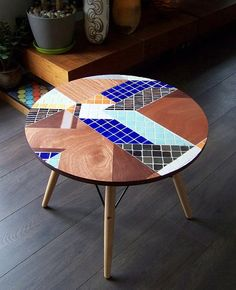 Table basse en mosaïque, trouvée sur Etsy par ATELIERTESSON Eames, Tile Tables, Iron Furniture, Decoration, Mosaics, Design Inspiration, Inspire, Patio, Rustic