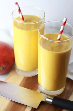 If you've ever gone out to eat at an Indian restaurant and didn't order a mango lassi, you're seriously missing out! The mango lassi is a popular Indian Mango Lassi Recipes, Smoothie Recipes, Recipe For Mango Lassi, Juicer Recipes, Smoothie Cleanse, Raspberry Smoothie, Apple Smoothies, Healthy Smoothies, Indian Drinks