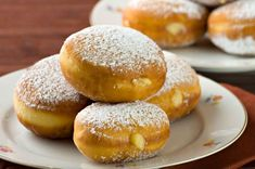 A favorite dessert for children, bomboloni feature a soft and fluffy dough that's covered in powdered sugar. Italian Donuts, Apple Hand Pies, Recipe Scrapbook, Classic Desserts, Relleno, Food Photo, Italian Recipes, Dessert Recipes, Easy Meals