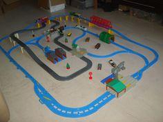 tomy trackmaster thomas the tank engine battery train set + 4 engines
