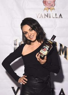 Global brand partner Mila Kunis attends the official launch party for Jim Beam® Vanilla, the newest flavored product from Jim Beam® Bourbon, on Monday, September 2017 in New York City. Get premium, high resolution news photos at Getty Images Mila Kunis Pics, Whiskey Girl, Bourbon Whiskey, Whisky, Lob Haircut, Jim Beam, Black Leather Skirts, Global Brands, Celebrity Beauty