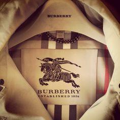 Burberry Trench-coat - My Style - Aysha Aziz