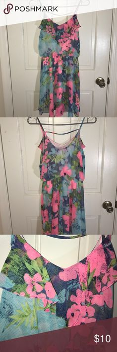 Lush summer dress size M Wear this vibrant summer dress with whimsical flowers of blue and pink. Wear with flats for a casual look and wavy beach hair. Lush Dresses Midi