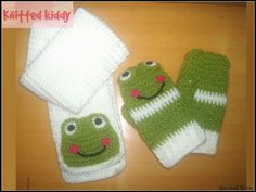 frog scarf and mittens