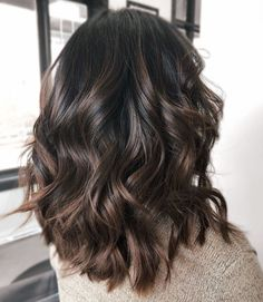 60 Chocolate Brown Hair Color Ideas for Brunettes Shiny Chocolate Balayage Hair A chocolate balayage helps an otherwise basic downdo stand out. Upgrade your color with subtle highlights and try wavy messy hairstyles with sexy volume for a change! Brown Hair Balayage, Brown Hair With Highlights, Balayage Brunette, Subtle Highlights, Dark Balayage, Dark Brunette Hair, Brown Ombre Short Hair, Colored Short Hair, Dark Hair With Lowlights