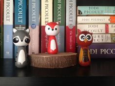 Forest Friendsi Peg Doll Se Bring a little of the forest into your home with this adorable trio of animal peg dolls - a racoon, a fox, and an owl. They stands a little over 2 1/2 inches tall... and have two coats of non-toxic varnish to keep them safe.
