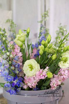 Shabbyfufu: Five Minute Freebie For Florals...DIY