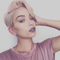 HOT! ✨✨ #RP @styleseat - @sarah_louwho #thecutlife #haircolor #selfie #shorthair