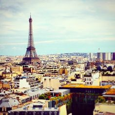 Tour Eiffel (view from the top of the Arc de Triomphe) - Paris, France