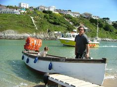 Fern Pit Ferry Boat: takes people from Crantock Beach and across the River Gannel