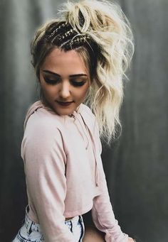 Don't know how to exactly styles your high ponytail braided hairstyles for chic look in Don't worry at all, here you may find easily a lot best ideas for blonde braided high ponytail hairstyles to wear in these days. These are hottest and cute hair i High Ponytail Braid, Braided Ponytail Hairstyles, Box Braids Hairstyles, Trendy Hairstyles, Hairstyles 2018, Blonde Hairstyles, High Ponytails, Wedding Hairstyles, Spring Hairstyles