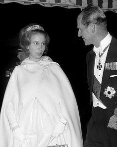 Royal Uk, Royal Navy, Prinz Phillip, Duke Images, Uk History, Happy Birthday To Us, Princess Anne, Miss America, Elizabeth Ii