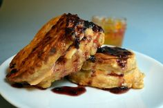 Pepper Jelly Stuffed French Toast with Blackberry Maple Syrup [Vegan] | One Green Planet