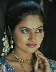 Indian TV Actress Suhasini Face Close up Photos Indian Actress Hot Pics, Indian Bollywood Actress, Beautiful Bollywood Actress, Most Beautiful Indian Actress, Beautiful Actresses, Indian Actresses, Beautiful Girl In India, Beautiful Women Over 40, Beautiful Girl Photo