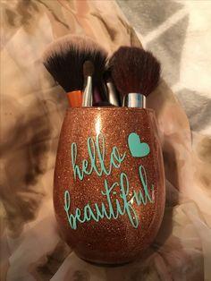 Glitter Crafts, Resin Crafts, Diy Crafts, Cute Makeup, Diy Makeup, Makeup Things, Makeup Brush Holders, Diy Products, Dressing Room