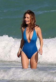 Giada De Laurentiis in a Swimsuit at a Beach in Miami - Beautiful Celebrities, Beautiful Actresses, Gorgeous Women, Giada De Laurentiis, Sexy Older Women, Sexy Women, Sexy Bikini, Celebrity Bikini, Femmes Les Plus Sexy