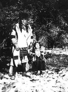 Sampson Beaver and his daughter - Assiniboine - 1904