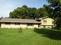 Experience rural living on 1.00+ acres with convenient access to U.S. 24, Fort Wayne, and GM!