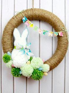Osterkranz Ideen, Osterkranz, Osterkranz basteln, Osterbastelideen, Ostern DIY B… Diy Spring Wreath, Diy Wreath, Spring Crafts, Wreath Ideas, Wood Wreath, Snowman Wreath, Grapevine Wreath, Pom Pom Wreath, Pom Poms