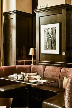 kollázs brasserie and bar, grasham palace budapest Banquettes, Bar Interior, Restaurant Interior Design, Pub Design, Booth Seating, Restaurant Furniture, Hotel Interiors, Hospitality Design, Commercial Design