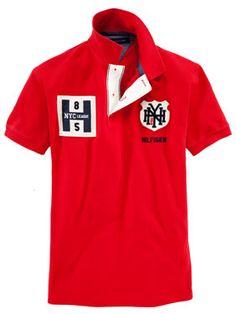 Knallrotes Poloshirt von Tommy Hilfiger.