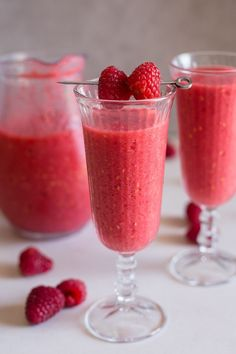A refreshing Slushie that is so easy to make. Using just a blender and a few ingredients, including fresh raspberries and your favourite Prosecco or sparking wine. The perfect hot weather or even special occasion drink.