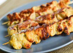 Brochettes de poulet à la marinade dépices  je viens de la faire.... reste à goûter :) dans 3h!