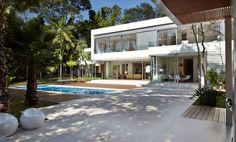 Transformar a casa em sustentável não é somente porque está na moda. Dá pra compor ambientes muito bacanas com essas ideias. Veja só o que separamos.